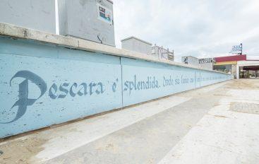 """""""Pescara è splendida"""": la dedica di Pasolini impressa su di un murales"""